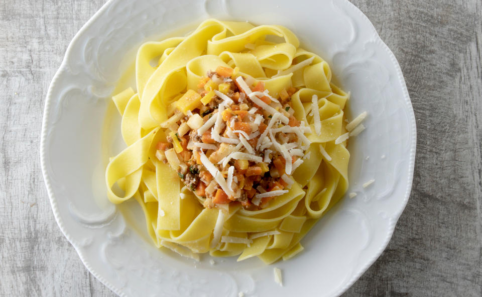 Pappardelle mit Bolognese
