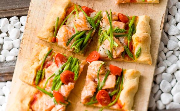 Lachs Spargel Pizza Rezept Gustoat