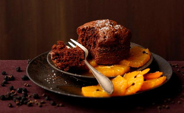 schoko pfeffer kuchen mit orangen pfeffer punsch rezept gusto at. Black Bedroom Furniture Sets. Home Design Ideas