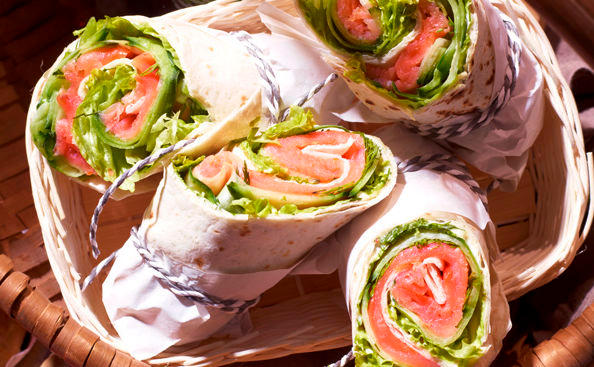 Räucherlachs-Wraps • Rezept • GUSTO.AT