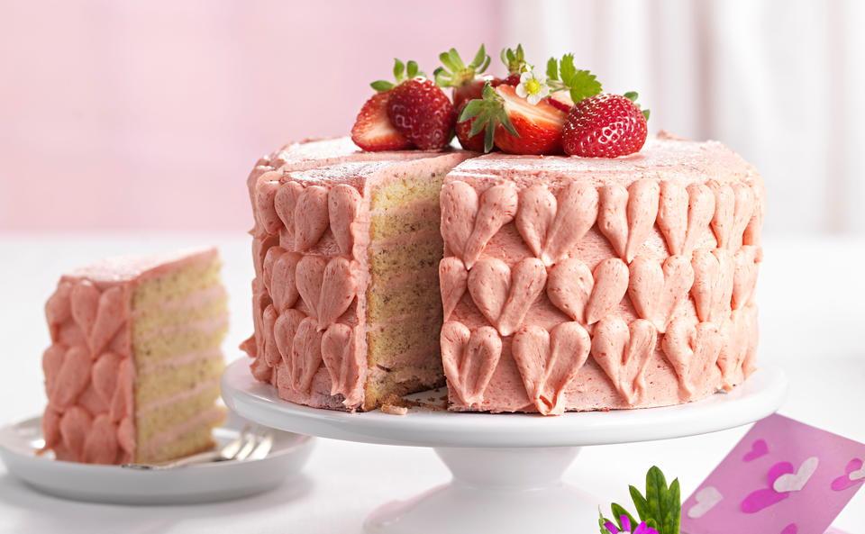 Erdbeer-Nusstorte • Rezept • GUSTO.AT