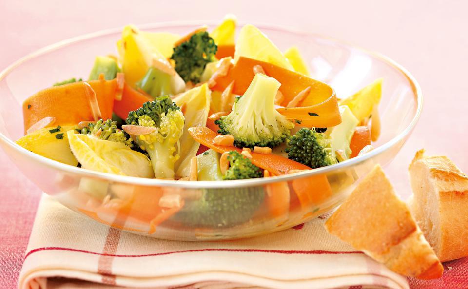 brokkoli karotten salat rezept gusto at. Black Bedroom Furniture Sets. Home Design Ideas