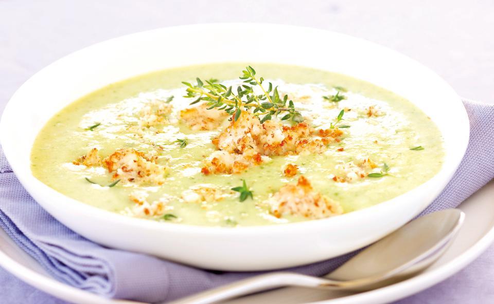 zucchinisuppe mit schafkäse • rezept • gusto at
